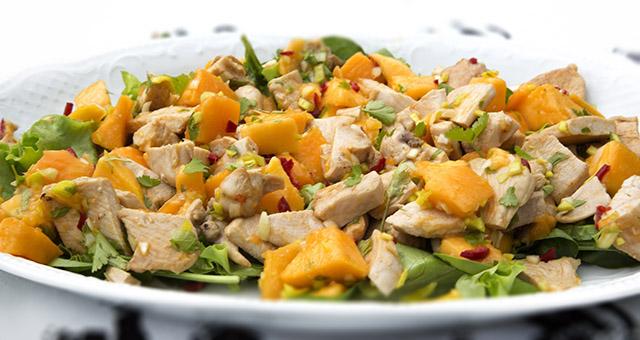 Mango og kyllingsalat